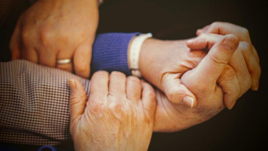 manos, holding hands, familia