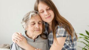Cuidado adulto mayor, comprensión y paciencia, apoyo adultos mayores, grúas para pacientes en México.